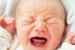 Artikel - behandling kranio-sakral terapi spædbarn. Kranio-sakral terapi for babyer med kolik, søvnbesvær og ammeproblemer